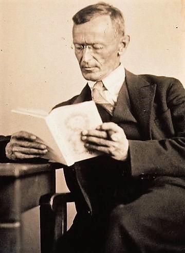 Hermann_Hesse_1927