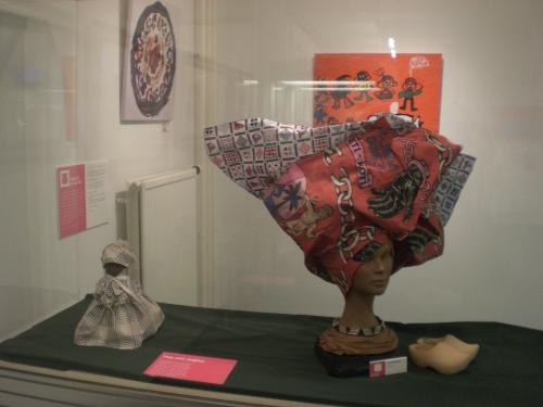 Surinaamse hoofddoek 'angisa' Joyce Marsman