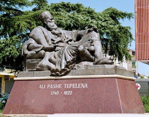 Monument Ali Pasha Tepelena